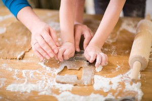 bigstock-Family-Baking-4015990